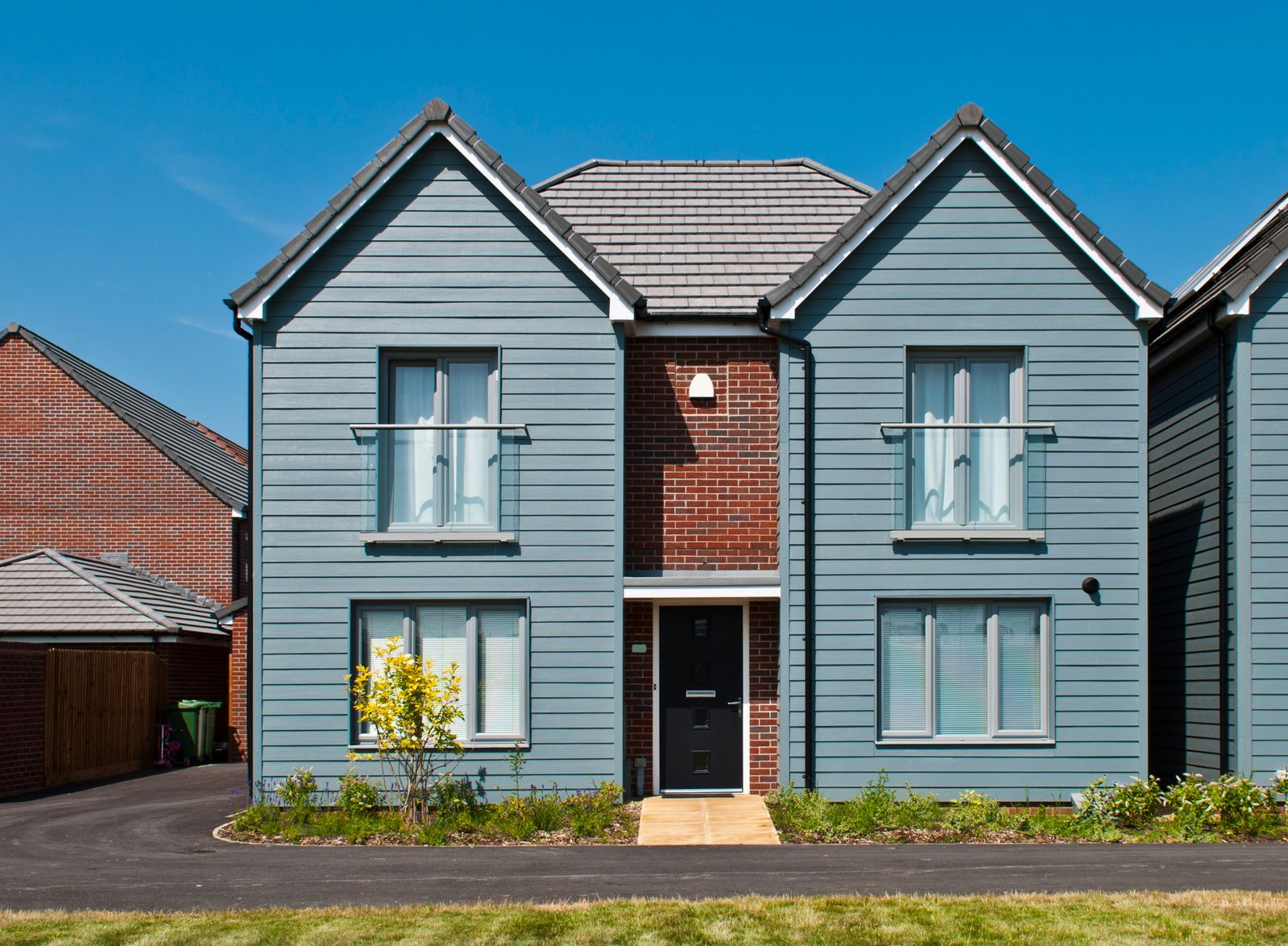 Land new homes mckillop and gregory estate agents for Modern house estate agents